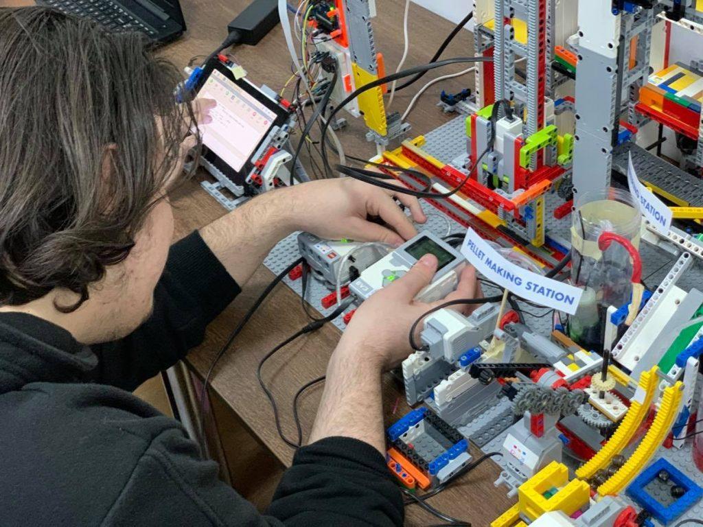 Olimpiada Internațională de Robotică 2020 a avut online
